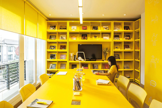 oficinas_monocromaticas_1
