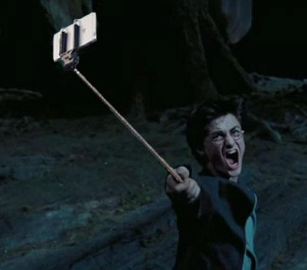 armas_reemplazadas_selfie_stick_peliculas_2