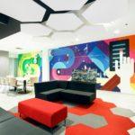 Las oficinas de Control 4 cubiertas por un extraordinario mural de 20 metros