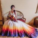 30 creativos vestidos de casamiento teñidos de colores