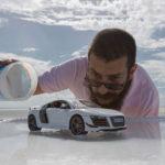 Espectacular producción de fotos de Audi con autos miniatura y elementos de cocina