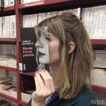 Tapas de libros interactúan perfectamente con la realidad