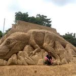 Artista crea espectaculares esculturas de arena