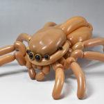 Artista utiliza globos para crear fabulosas esculturas de animales