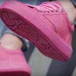 Crean en Ámsterdam las primeras zapatillas a base de chicles reciclados