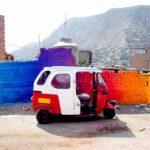 Todo el color en los fantásticos murales prismáticos de Xomatok en Perú
