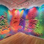 Impresionantes pinturas de todos colores que salen de la pared