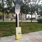 Esculturas gigantes en Barcelona para evitar la contaminación por plástico