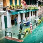 Fotografías de Venecia durante las inundaciones más graves en la ciudad desde 1966